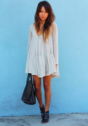 dress,sincerely jules,romantic,loose fit dress,loose,bunched,shoes,white dress,babydoll dress,flowy dress,cute white flowy dress,white babydoll,white babydoll dress,summer babydoll dress,short  long sleeve dress,boho,hippie,flowy,summer,white,short,cute,petite,tumblr,long sleeve dress,asap,tan,bright,me,quick,pleats,so bad,one teaspoon,mini dress,loose boho style,little white dress,pretty,boots,jewelry,bikini,bohemian,shorts,jeans,pants,sunglasses,purse,shift dress,tank top,bag,short dress,bohemian dress,leather boots,boho dress,tulle skirt,layered,flows,girly,layed back,chiffon dress,hippie dress,cream boho dress,beige,cream dress,fall dress,lace dress,whie shirt,flowing,cream,cream/white dress,clothes,vintage,t shirt dress love,spring dress,long sleeves,taupe