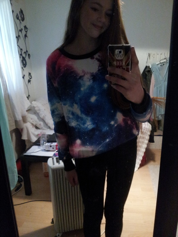 sweater galaxy print