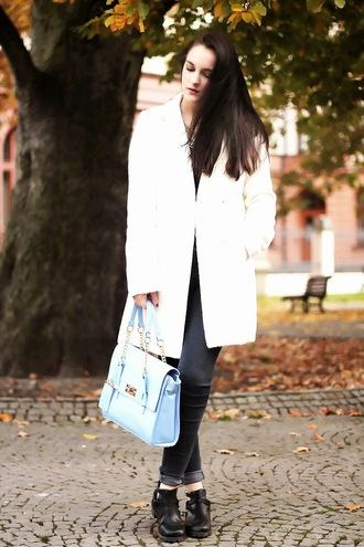 blue jeans jewels top blogger leona meliskova satchel bag coat