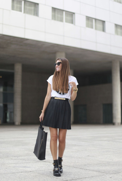 bag Belt t-shirt blogger jewels sunglasses b a r t a b a c