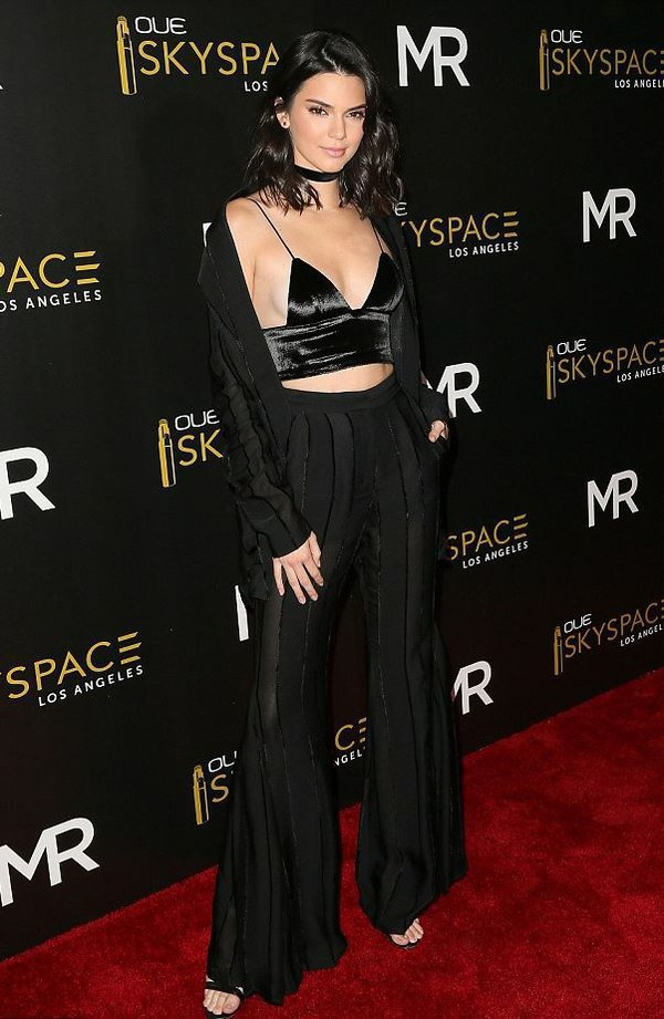 all black everything wide-leg pants crop tops bra bralette kendall jenner kardashians sandals jacket choker necklace jewels black choker necklace jewelry black keeping up with the kardashians model celebrity style celebrity
