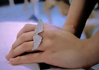 jewels ring wings