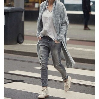 cardigan tumblr grey cardigan shirt grey shirt grey jeans jeans sneakers nude sneakers platform sneakers long cardigan fall outfits all grey everything