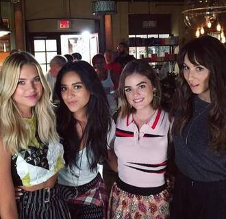 skirt top crop tops ashley benson aria montgomery emily fields lucy hale troian bellisario spencer hastings shay mitchell hanna marin pretty little liars