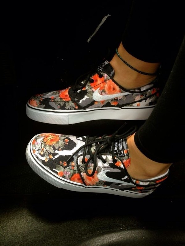 best service d26c8 12946 shoes, nike, tumblr, floral, sneakers, tennis shoes, white, fashion ...