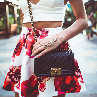skirt floral skirt accessory gold floral white and red hand jewelry blouse