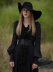 dress,clothes,black dress,black hat,celebrity,celebrity style,hat,american horror story,grunge,goth,black