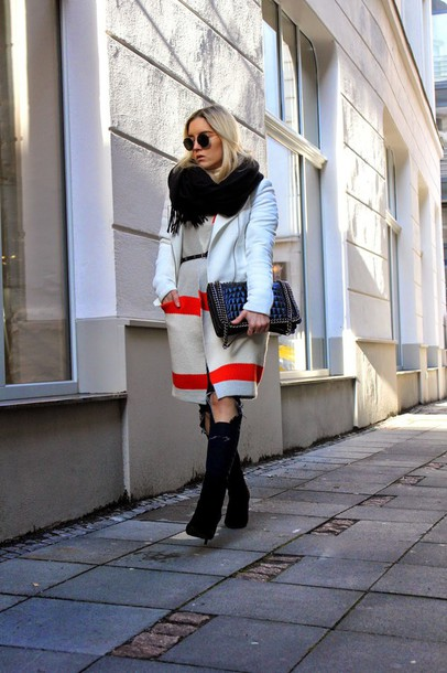 fashion twinstinct blogger jacket sweater crocodile black bag winter outfits
