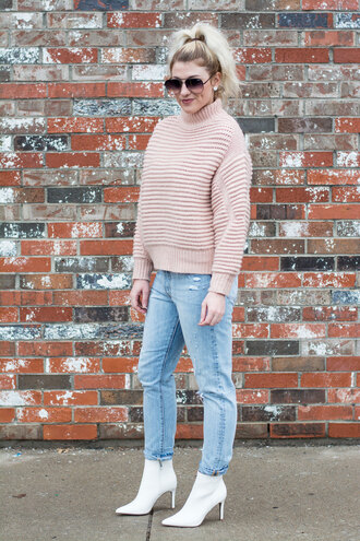 lestylorouge blogger sweater jewels jeans shoes sunglasses pink sweater ankle boots white boots winter outfits