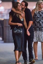 shoes,heidi klum,bag,dress,black dress,sandals,summer,summer outfits,summer dress,midi dress,flat sandals,flats