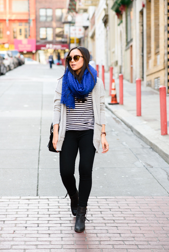 the fancy pants report blogger cardigan scarf blue stripes