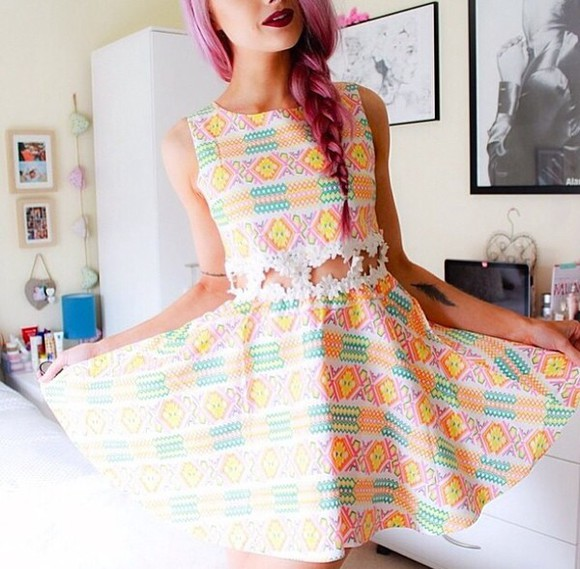 middle aztec daisy cut-out skaters dress