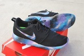 shoes,galaxy shoes,roshes,galaxy roshes,nike,black sneakers,low top sneakers