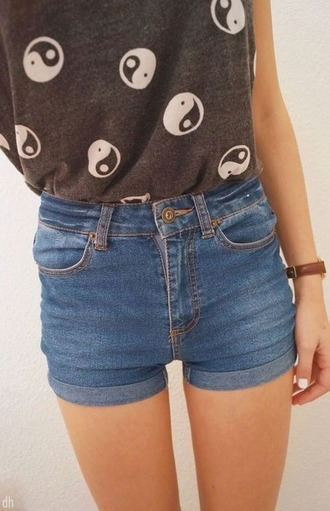 t-shirt tees grey white graphic tee ying yang yin yang grey t-shirt shorts