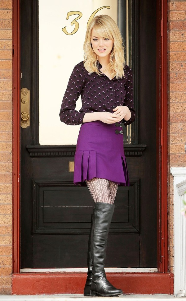 blouse moon gwen stacy the amazing spider man 2 emma stone amazing spider man 2 amazing spider man violet plum purple purple shirt patterned shirt purple skirt boots black boots tights lace tights spider-man pattern skirt shoes