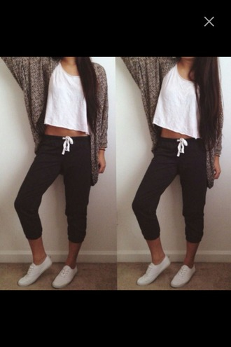 pants dark sweatpants vans sweatpants cozy cardigan t-shirt top basic white t-shirt white grey cardigan black sweatpants outfit fall outfits bag shoes red lime sunday