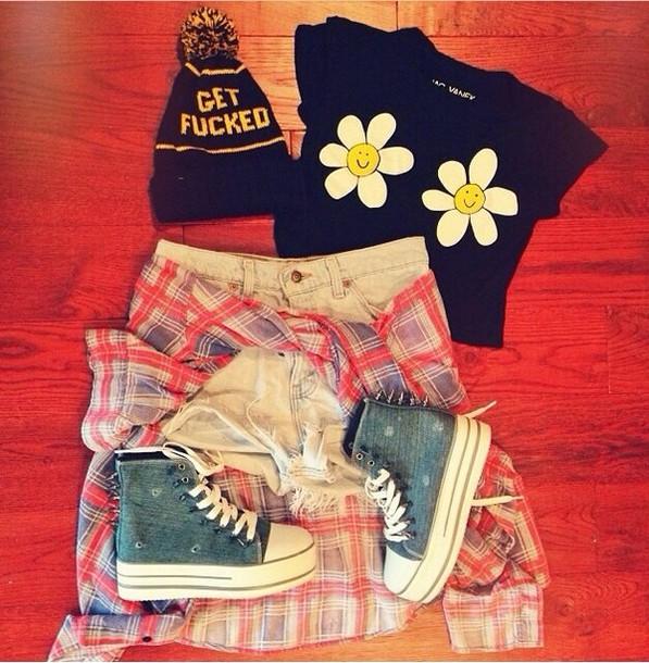 shirt graphic tee hat