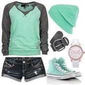 shirt,shoes,jewels,hat,shorts,cuffed shorts,belt,blue jeans,denim shorts,blue shirt,beanie