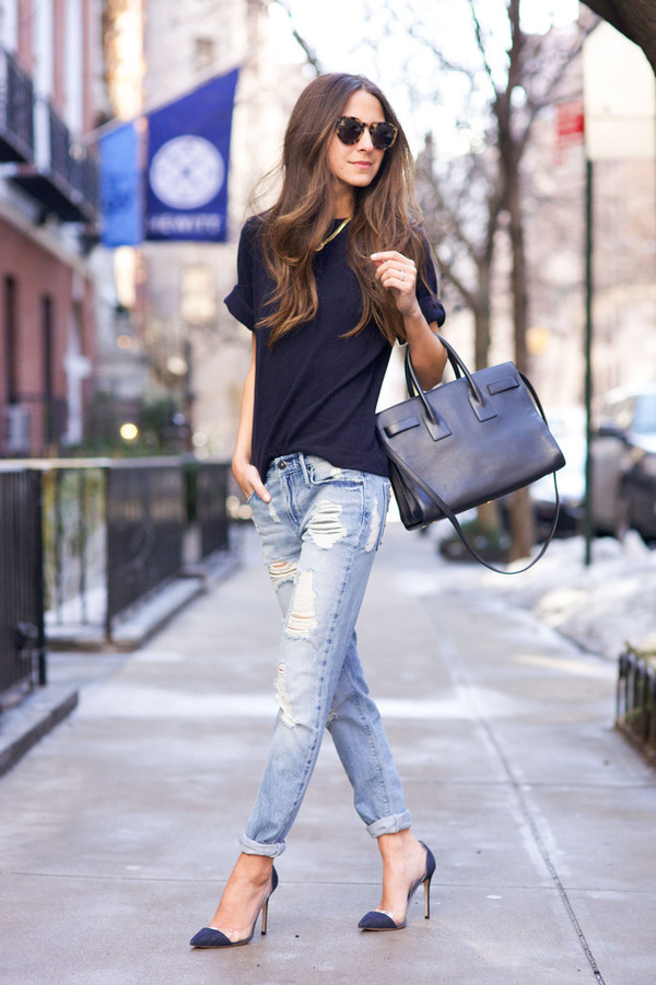 jeans black t-shirt distressed denim jeans black handbag blogger sunglasses black stilettos