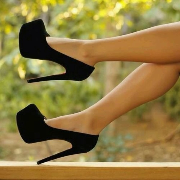 shoes black black high heels high heels pumps heels plateau black heels black pumps black stilettos stilettos suede black suede heels