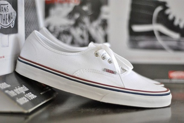 19eefdda4f shoes vans white red blue perfect