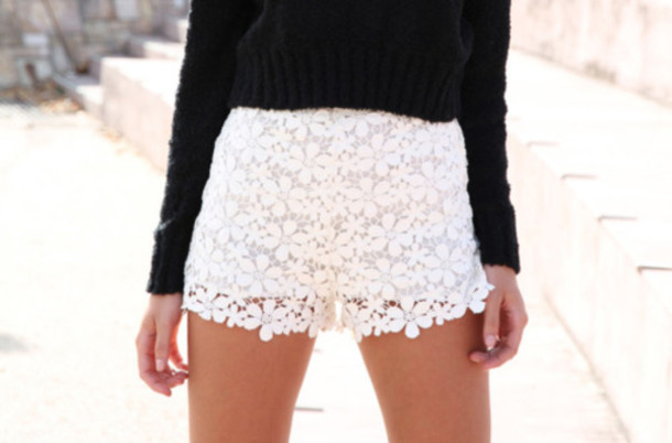 Shorts: lace shorts, white shorts, flowered shorts, flowers ...
