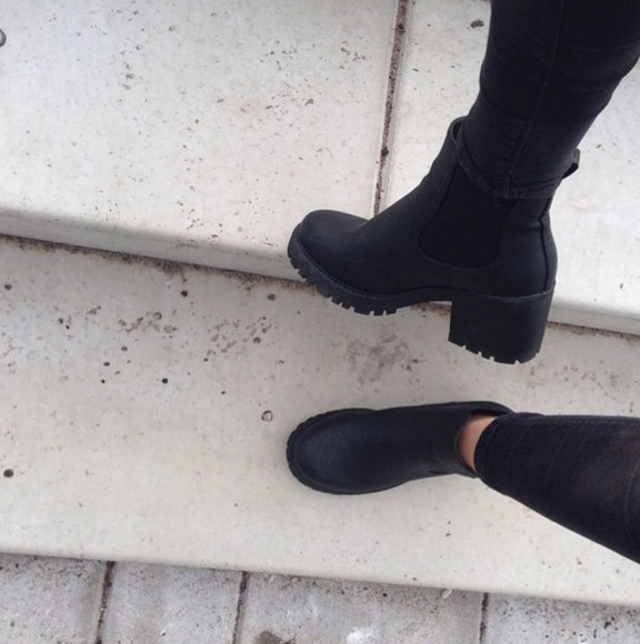 shoes black black boots lether boots combat boots boots fashion spring fall outfits chelsea boots summer shoes want want want heel boots high heels need it please cleated sole