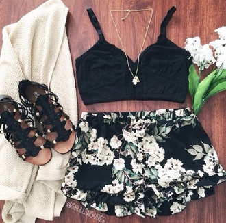 shorts black shorts flowers print flowered shorts
