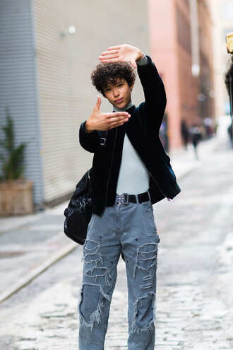 jacket nyfw 2017 fashion week 2017 fashion week streetstyle grey top top grey turtleneck top turtleneck green jacket velvet velvet jacket jeans denim blue jeans ripped jeans belt backpack black backpack short hair 00s style