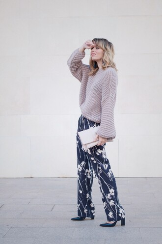 macarenagea blogger pants sweater shoes bag jewels pumps clutch winter outfits