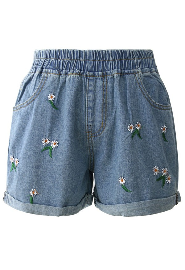 chicwish cheering daisu denim shorts