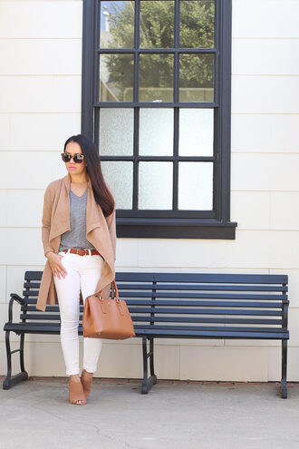 stylish petite blogger cardigan t-shirt shoes bag sunglasses make-up jewels nail polish belt jeans white jeans handbag