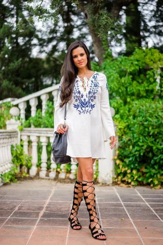 crimenes de la moda blogger dress strappy flats gladiators blue and white