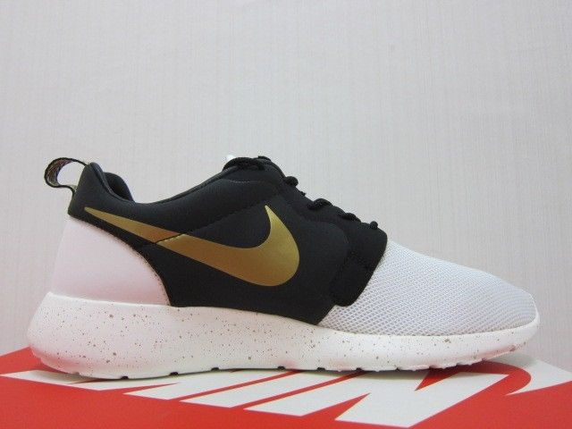 online retailer e57f1 f58fd Nike Roshe Run HYP PRM QS Gold Trophy Yeezy NYC