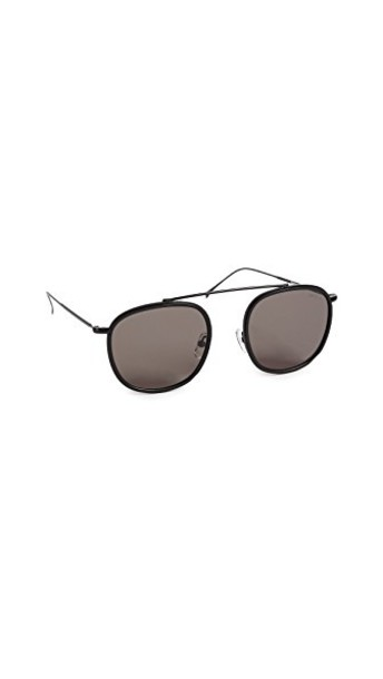 Illesteva sunglasses matte black grey matte black