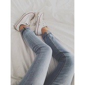 jeans,pants,blue,weheartit,swag,light blue,spring,shoes,red and white,converse,allstars converse,white coverse