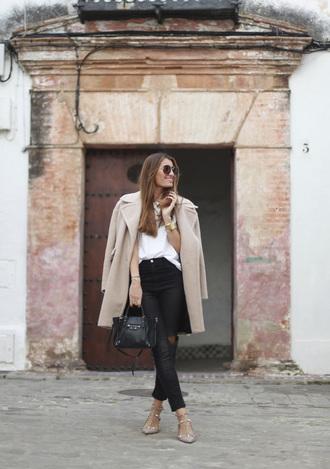 jewels blogger bag b a r t a b a c t-shirt jeans sunglasses