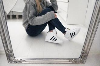 sweater sneakers hi tops hi top white monochrome black urban hoodie gray grey jeans teenagers cute tumblr outfit trainers home decor skinny fit casual urban outfitters