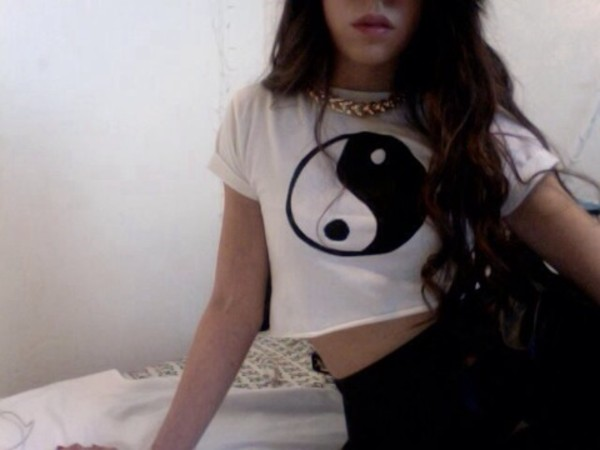 tank top yin yang black and white black white pale pretty tumblr jewels t-shirt yin yang