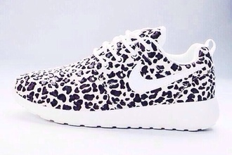shoes black and white nike roshe run leopard print