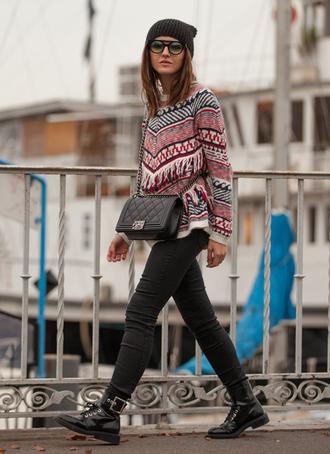 blogger bag lovely pepa sunglasses fringes knitted sweater black jeans