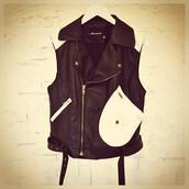 jacket,vest,leather,white,black,kill,scene,dress to kill,makeup table,vanity row