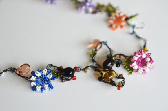 authentics jewels needle work glass bead necklace glass bead jewelry