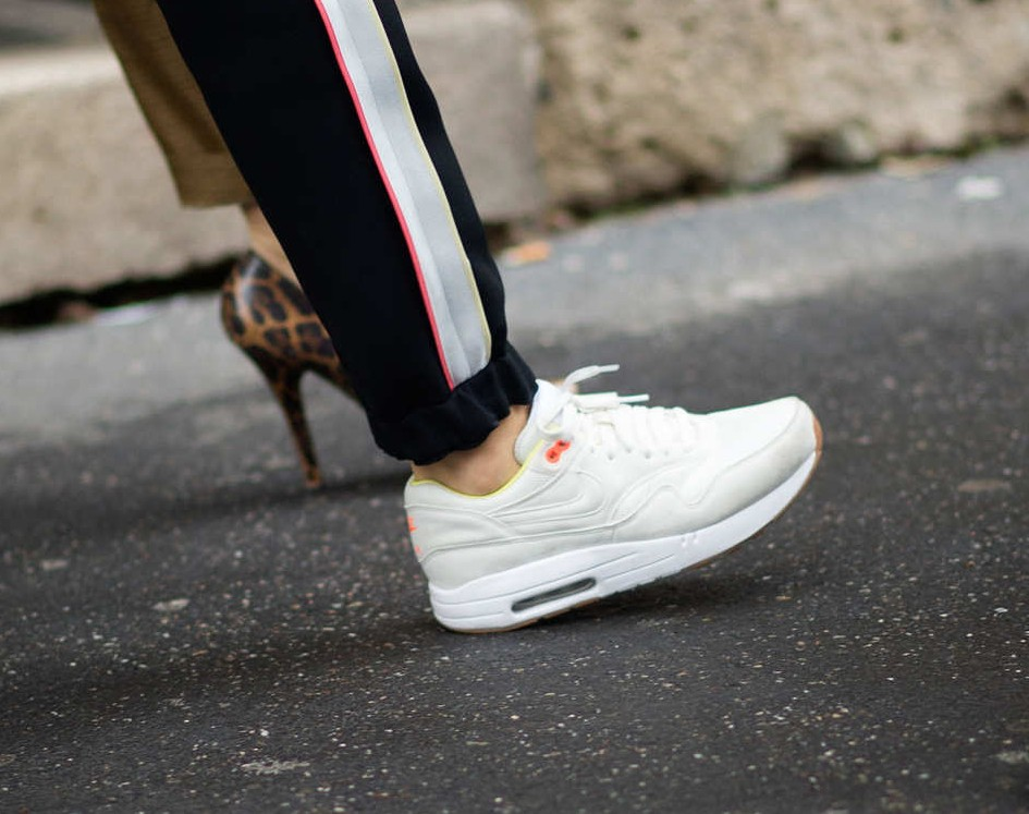 The Seasonless Sneaker - ChiCityFashion: The Chicago Fashion Blog