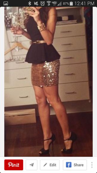 mini skirt holiday