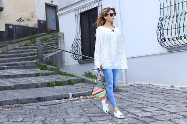 chiara nasti blogger t-shirt jeans shoes bag sunglasses