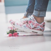 shoes,nike,floral,turquoise,pink,pastel,roses,nike running shoes,flowers,sneakers
