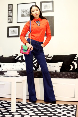 aibina's blog blogger shoulder bag chain bag mini bag flare jeans orange statement necklace