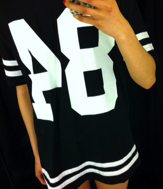 dress number shirt black white jersey black and white stripes t-shirt oversized 84 number tee t-shirt dress