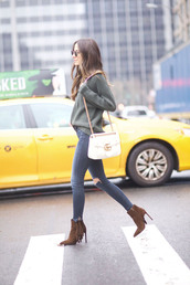 something navy,blogger,jeans,shoes,sunglasses,sweater,bag,gucci bag,gucci,ankle boots,skinny jeans,grey sweater,fall outfits,tumblr,green sweater,denim,blue jeans,ripped jeans,boots,fringes,fringe shoes,brown boots,high heels boots,chain bag